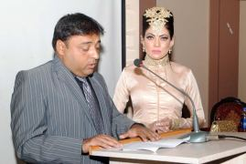 Muttahir Roomi Host